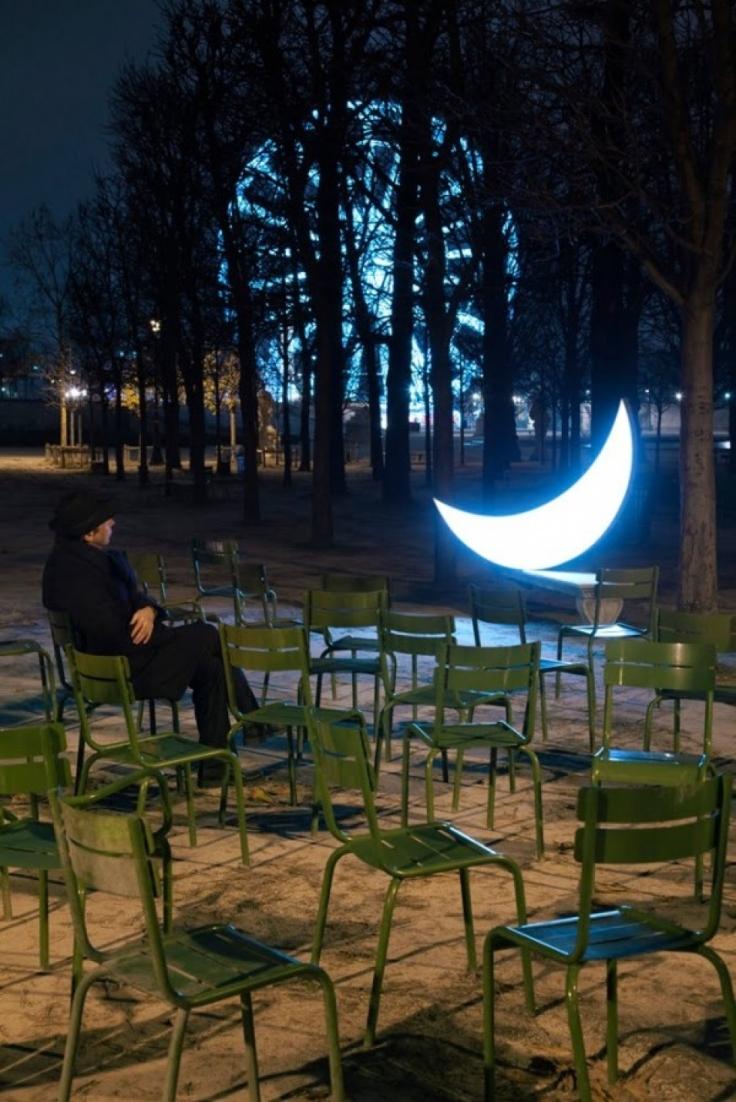 despre-luna-o-altfel-de-luna1